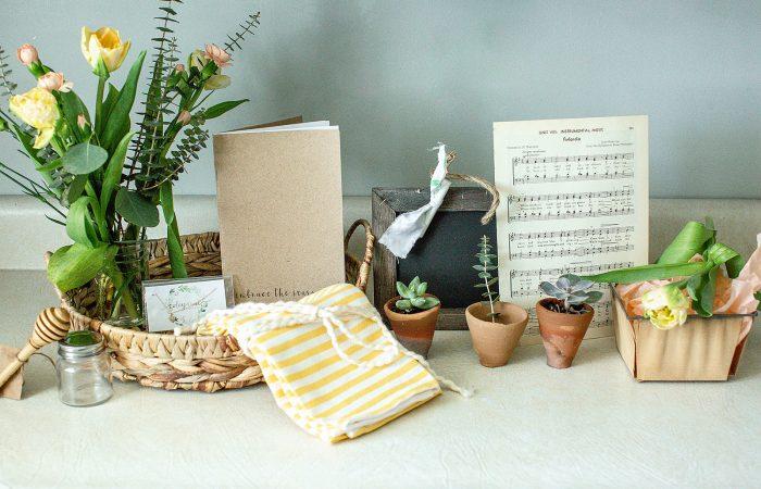 Spring Barn Box